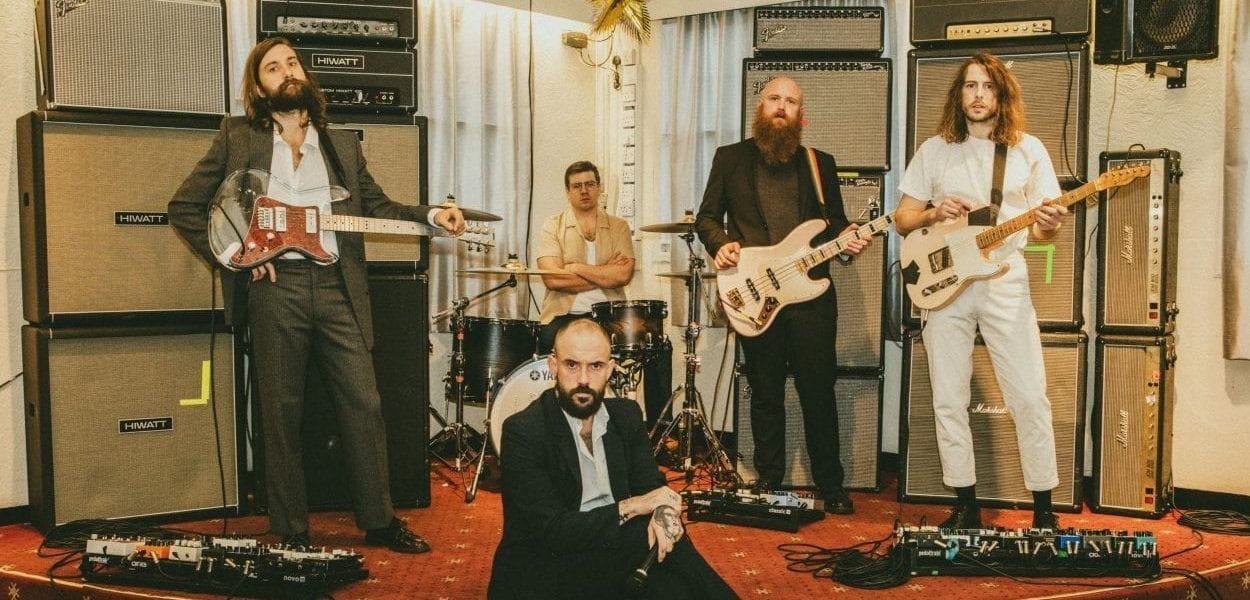 idles promo pic for Grounds single